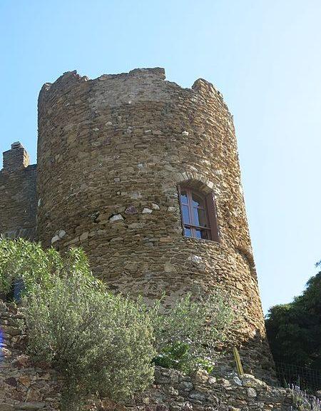 Le Château des Seigneurs de Fos
